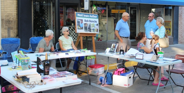 Muscatine Second Saturday Writers on the Avenue